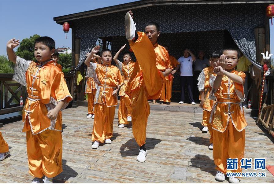 浙江湖州:乡村里的多彩暑期生活